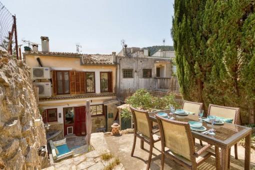 Schönes renoviertes Stadthaus mit Garten in Esporles