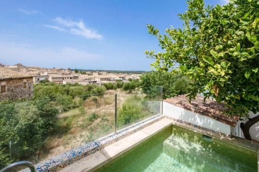 Gemütliches Dorfhaus mit Pool in Sineu