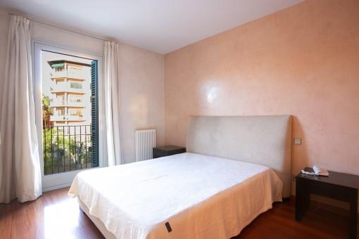 Hauptschlafzimmer mit Doppelett