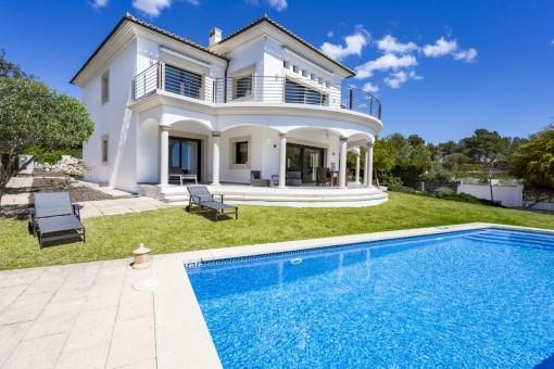 Moderne Villa mit Topausblick in Cala Vinyas