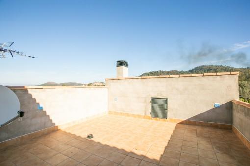 Sonniger Dachterrasse