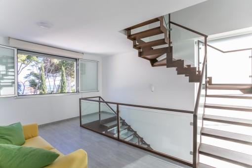 Treppe mit Loungebereich