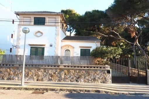 Renoviertes Einfamilienhaus mit Ferienvermietungslizenz zur Langzeitmiete