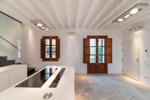 Neubau-Penthaus im Herzen der Altstadt Palmas mit Aufzug, Dachterrasse und Möglichkeit einer Garage