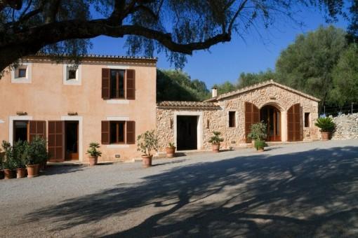 Schönes mallorquinisches Haus auf einem Anwesen mit 5 Einheiten in der Nähe von Portocristo