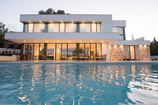 Exklusive Neubau-Villa in bester Bauqualität, ideal für den Empfang von Familie und Freunden in Santa Ponsa