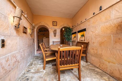 Patio mit Küche und Bar