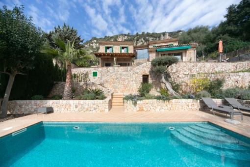Schöne renovierte Villa in bester Lage mit fantastischem Panoramablick in Valldemossa