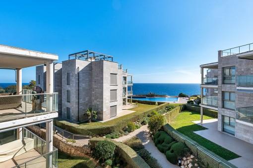 Fantastisches Penthouse in erster Meereslinie in einem Komplex in Cala Figuera