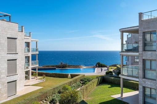 Fantastisches Penthouse in einer exklusiven Wohnanlage in erster Meereslinie in Cala Figuera