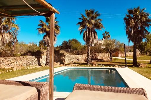 Ebenerdige Fincahaus mit Swimmingpool in unmittelbarer Nähe zu Alcúdia und dem Strand ab November 2021