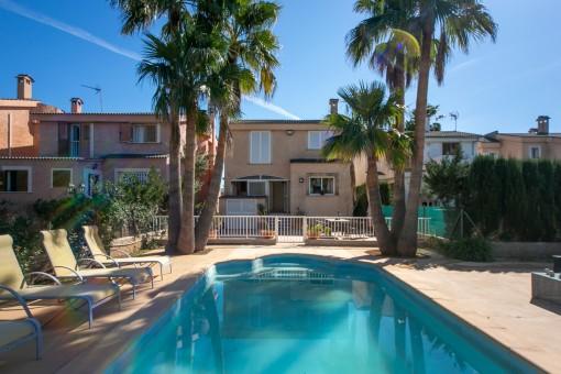 Möbliertes Einfamilienhaus mit Schwimmbad und günstiger Verkehrsanbindung nach Palma und Umgebung