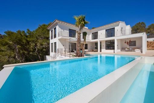 Moderne Luxusvilla in Port Andratx mit erstklassiger Ausstattung