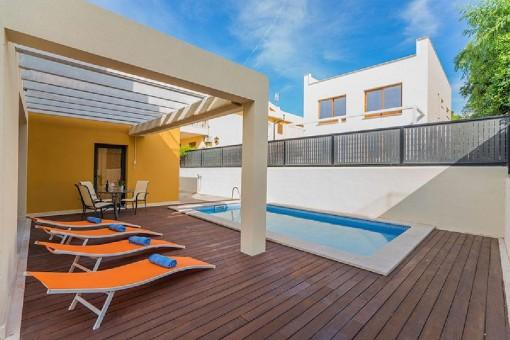 Haus mit Pool, Meerblick und Ferienwohnungslizenz für 6 Personen in Colonia St Pere