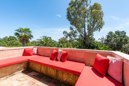 Terrasse mit Blick auf die grüne Umgebung