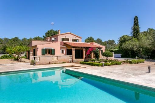 Schöne Finca in ruhiger Lage mit Pool, Heizung und Garten in Sa Cabaneta, Marratxi