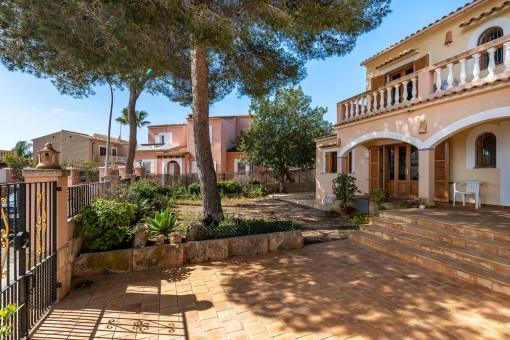 Schöne Villa im mediterranen Stil in Son Ferrer