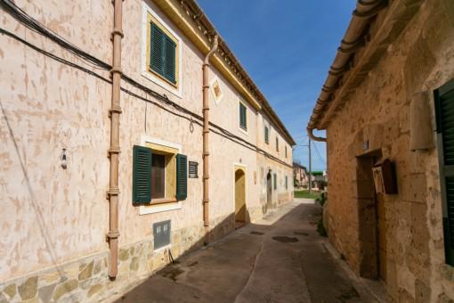 Komfortables Stadthaus mit Weitblick von der Dachterrasse in Establiments nahe Palma