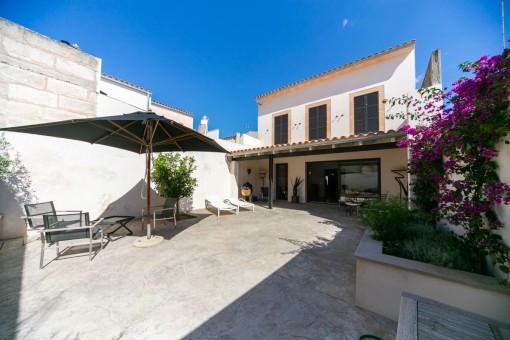 Wunderschön saniertes Stadthaus mit großer Terrasse in San Lorenzo
