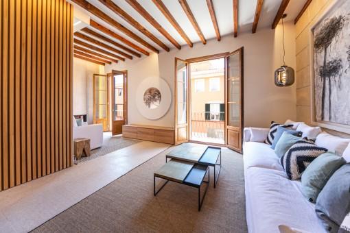 Traumhaft schöne und neu sanierte Wohnung mit Terrasse und Garage in Santa Catalina