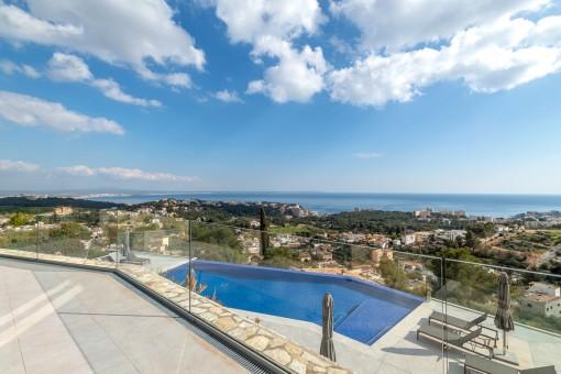 Neubau Duplex-Wohnung mit 140 qm Terrasse und gigantischen Blick übers Meer und Palma