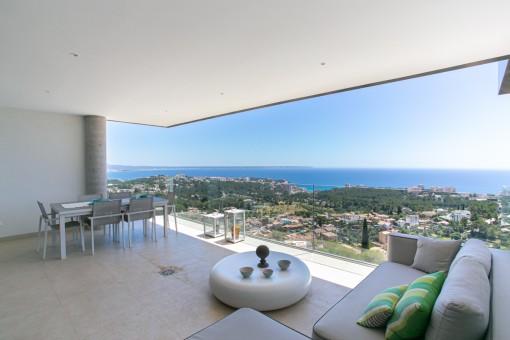 Möblierte Luxus-Neubau Wohnung in Genova mit gigantischem Blick auf Palma und das Meer