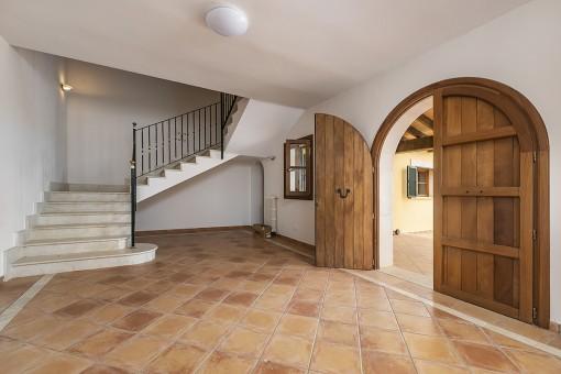 Eingangsbereich und Zugang zum Obergeschoss