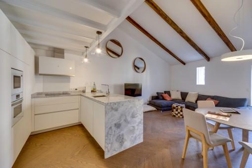 Modernes hochwertiges Duplex Penthouse mit Galerie und Dachterrasse in der Altstadt Palma
