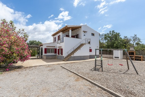Strandnahes, gepflegtes Haus mit schönen Wohnbereichen in Cala Llombards
