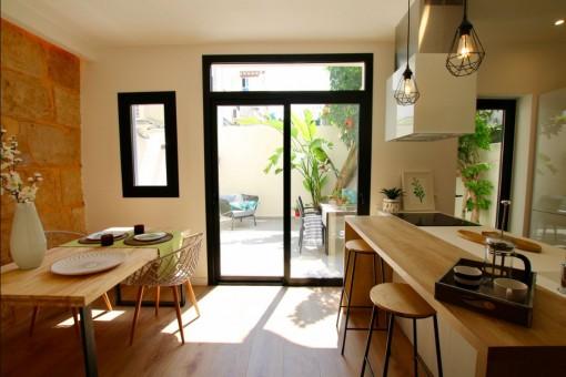 Schönes, modernes renoviertes Apartment in Bestlage Santa Catalina mit großem Patio