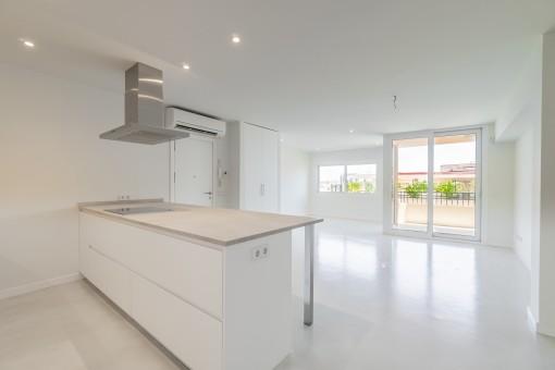 Schönes modernes und komplett neu renoviertes Apartment mit hochwertiger Ausstattung nahe Santa Catalina