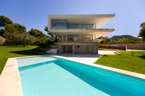 Moderne Villa mit Pool in Costa de los Pinos