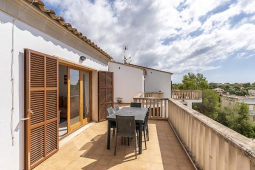 Terrasse mit Essbereich
