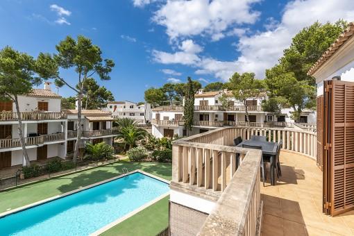 Lichtdurchflutete Wohnung mit großzügigen Balkonen in unmittelbarer Strandnähe in Cala Santanyi