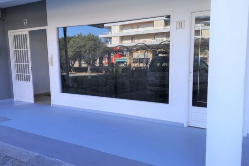 Kürzlich renovierte Geschäftsräume mit Meerblick in der Fußgängerzone in Cala Ratjada