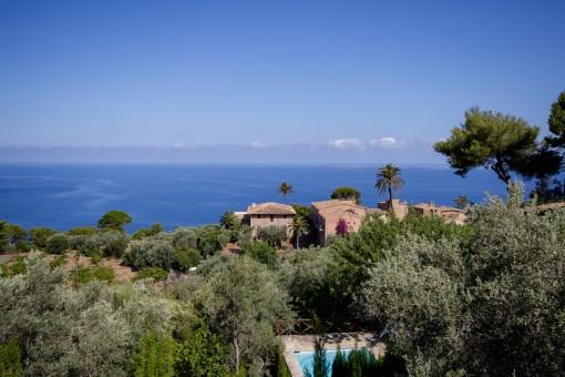 Wunderschönes Anwesen mit Gästehaus und spektakulärem Meerblick in Llucalcari