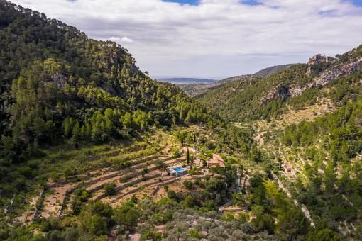 Ruhig gelegene Finca mit Gästehaus und eigenem Berg in Alaró