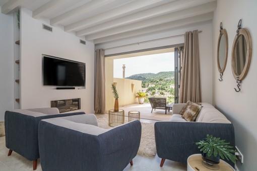 Luxuriöses Stadthaus mit Pool und Blick zur Tramuntana in Alaró