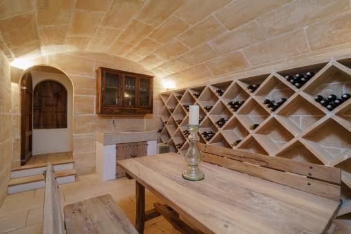 Weinkeller mit Gewölbedecke