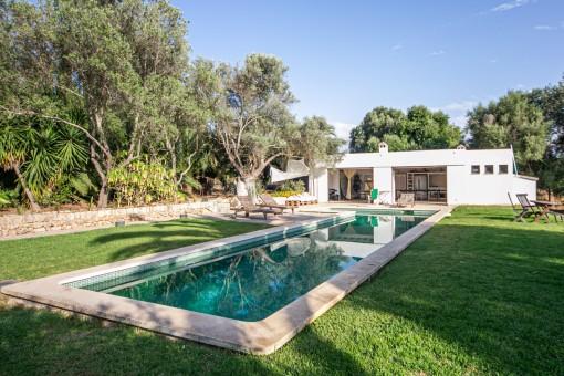 Teilmöblierte Finca mit separaten Gästestudio, Pool und eigenen Brunnen in Selva