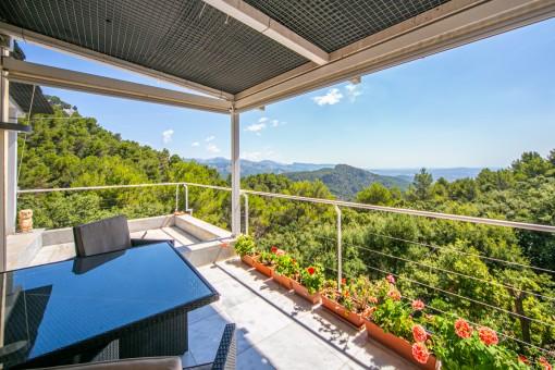Moderne Villa mit schönem Panoramablick in Esporlas