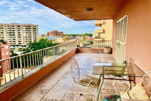 Großzügiges Apartment mit Garagenstellplatz und viel Terrassen- und Balkonfläche am Porto Pi