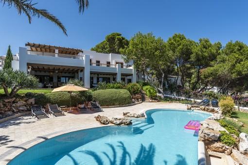 Spektakuläre Villa in erster Meereslinie mit Pool in Cala d'Or
