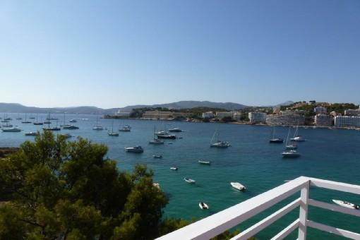 Wohnung mit herrlichen Meerblick und direkten Meerzugang in Santa Ponsa