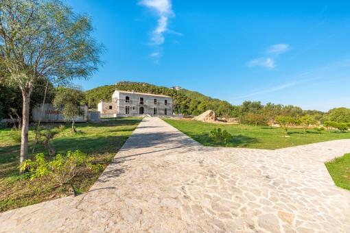 Spektakuläre Finca auf einzigartigem Grundstück bei Portocolom mit Blick auf den Puig San Salvador