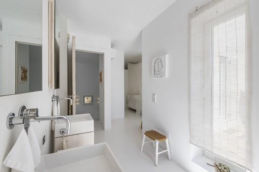 Offenes en Suite Badezimmer