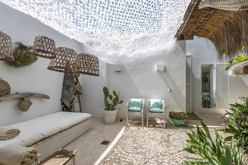 Mediterrane patioähnliche Terrasse
