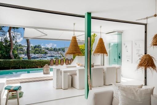 Stilvolle Traumvilla mit zauberhaftem Blick auf den Hafen von Cala d'Or