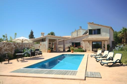 Haus in exklusiver Agrotourismusanlage mit Pool und Panoramablick auf das Umland von Santa Margalida