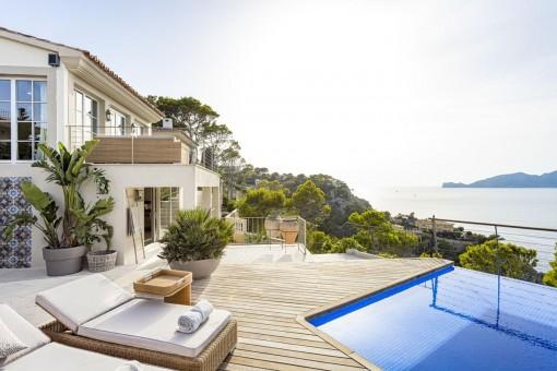 Einzigartige, möblierte Villa mit Pool in Toplage und Meerblick in Port d'Andratx